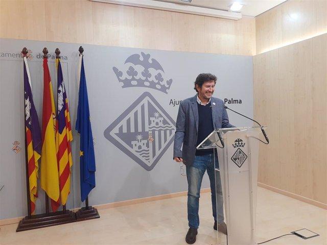 El portavoz de Cort, Alberto Jarabo, en rueda de prensa