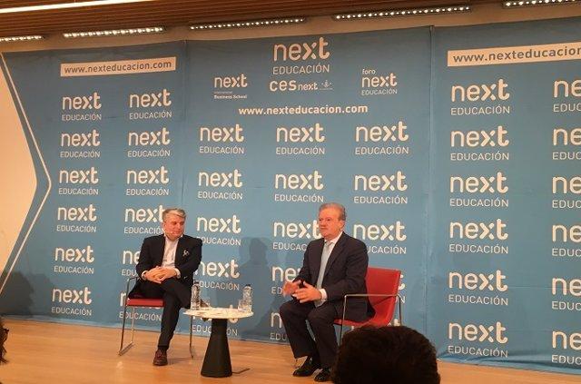 El president d'Accenture a Espanya, Portugal i Israel, Juan Pedro Moreno (e), en el Foro Next 'Vértigo Digital', Madrid (Espanya).