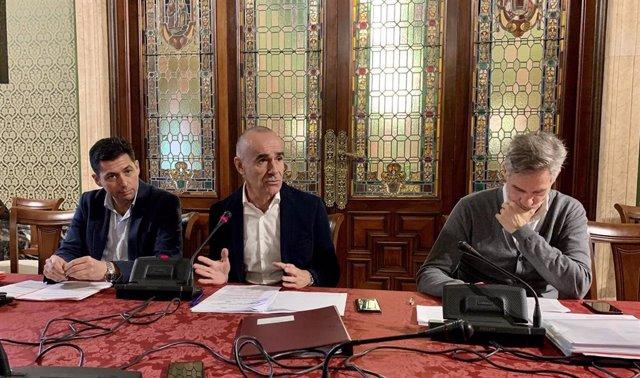 El concejal de Hábitat Urbano, Antonio Muñoz, en rueda de prensa