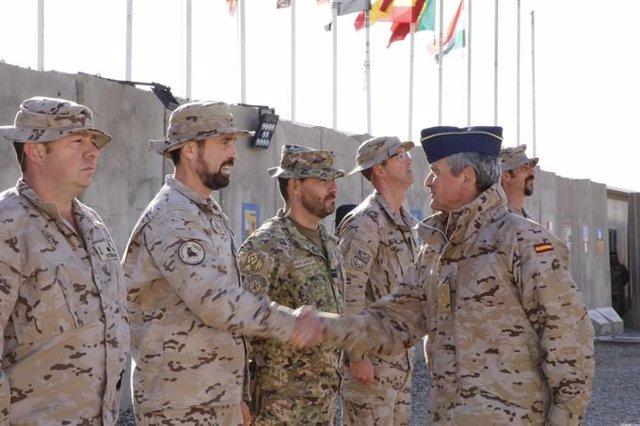 El jefe del Estado Mayor de la Defensa (JEMAD), general Miguel Ángel Villarroya, en una visita a Besmayah (Irak)