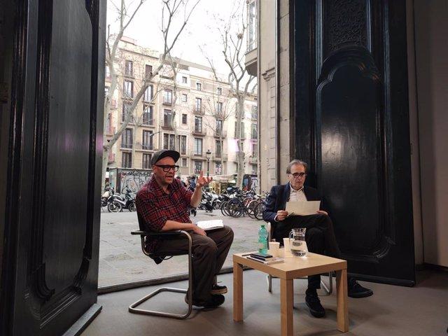 El teniente de alcalde de Cultura del Ayuntamiento de Barcelona, Joan Subirats, y el director de La Virreina Centre de la Imatge, Valentín Roma, han presentado este miércoles los nuevos espacios y la programación para 2020.