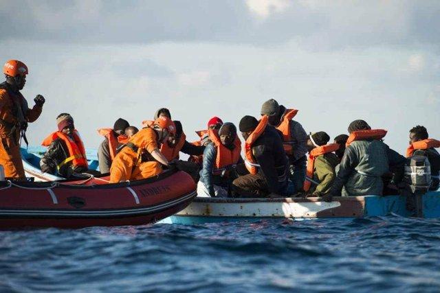 Rescat de mirgants al Mediterrani