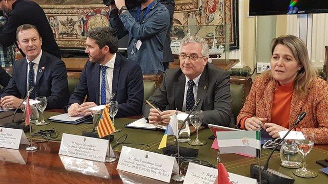 Joaquín Olona en la reunión extraordinaria del Ministerio de Agricultura, Pesca y Alimentación con las Comunidades Autónomas para el intercambio de puntos de vista sobre la situación actual del mundo agrícola