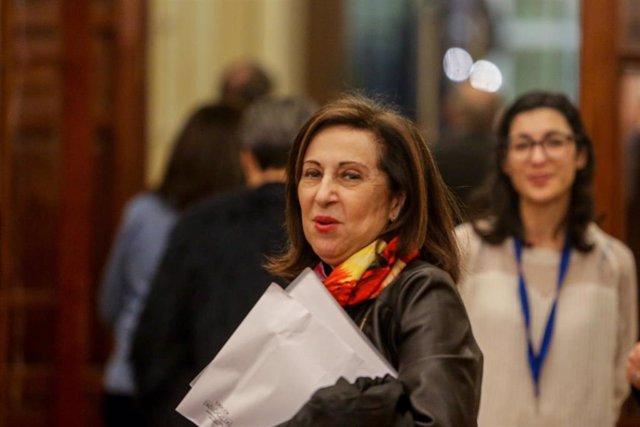 La ministra de Defensa, Margarita Robles, a su salida de la sesión Plenaria en el Congreso de los Diputados el 11 de febrero de 2020.
