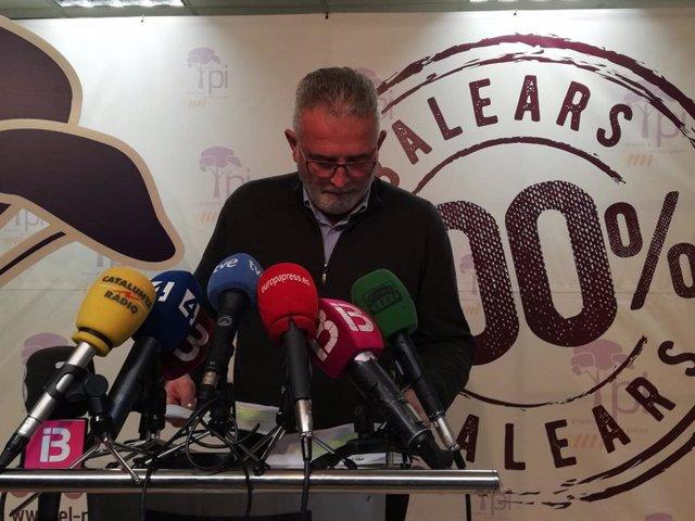 El presidente de El PI, Jaume Font, explica las razones de su dimisión en rueda de prensa.