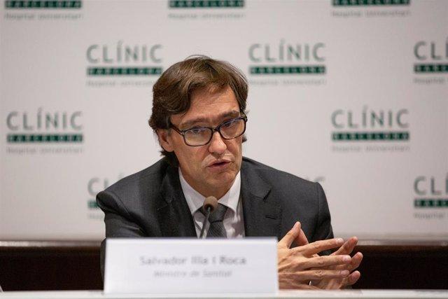 El ministro de Sanidad, Salvador Illa, durante su comparecencia para abordar la evolución del coronavirus, en el Hospital Clínic de Barcelona/Catalunya (España), a 12 de febrero de 2020.