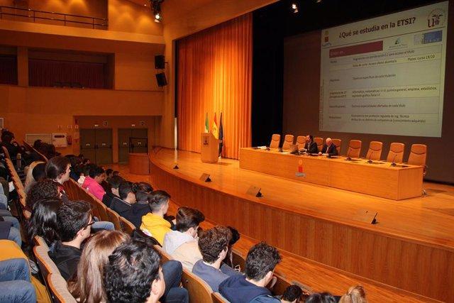 La ETSI de la USA recibe a más de un millar de estudiantes de Bachillerato de 50 centros de Sevilla y provincia