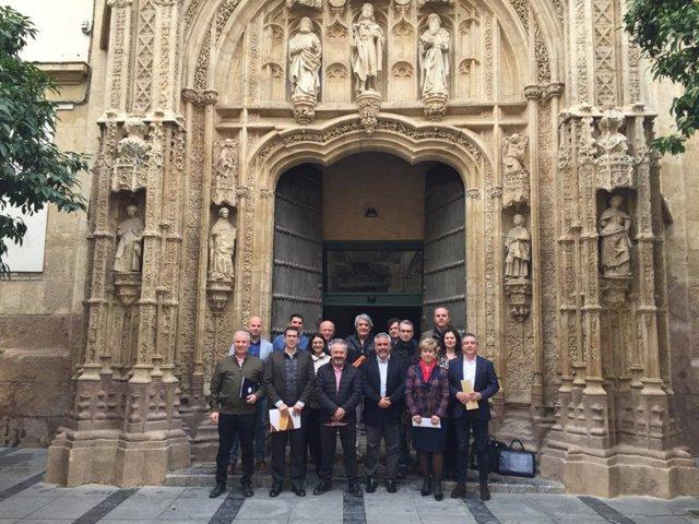 Representantes de la Asociación Empresarial de Turismo de la Provincia de Córdoba (Emcotur).