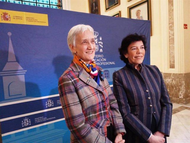 La consejera de Educación de Asturias, Carmen Suárez, y la ministra de Educación y FP, Isabel Celaá, tras reunirse este miércoles en Madrid.
