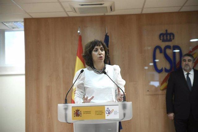 La nueva presidenta del Consejo Superior de Deportes (CSD), Irene Lozano, durante su intervención en el acto de toma de posesión del cargo, junto al ministro de Cultura y Deporte, José Manuel Rodríguez Uribes, en Madrid (España), a 31 de enero de 2020.