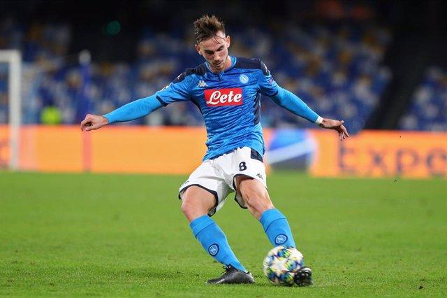 Fútbol.- El Nápoles encarrila su pase a la final de Copa con un golazo de Fabián