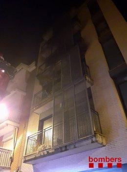 Incendi en un edifici de quatre plantes de Girona