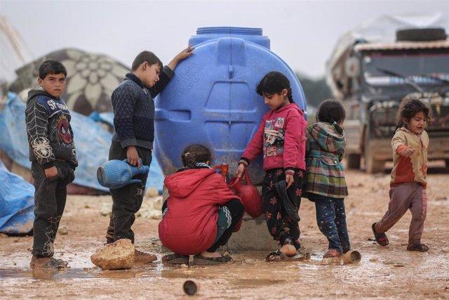Niños desplazados en el noroeste de Siria