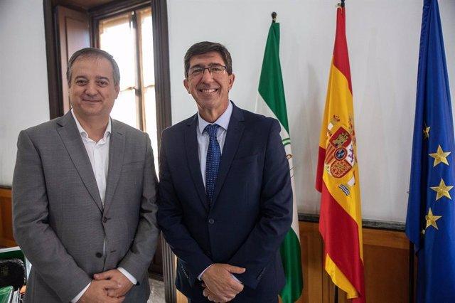 El delegado territorial de Administración Local, José Luis Delgado, junto al vicepresidente de la Junta, Juan Marín