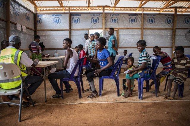 Refugiados cameruneses llegados a Nigeria en abril de 2019