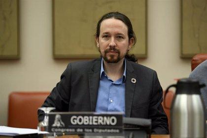 """Pablo Iglesias anuncia una """"ley de diversidad familiar"""" y medidas de apoyo a parejas LGTB para adoptar"""