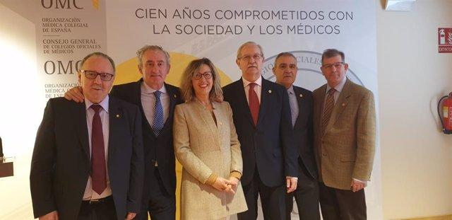 La Comisión Permantente del Consejo General de Colegios Oficiales de Médicos en la presentación de los actos por el centenario de la entidad