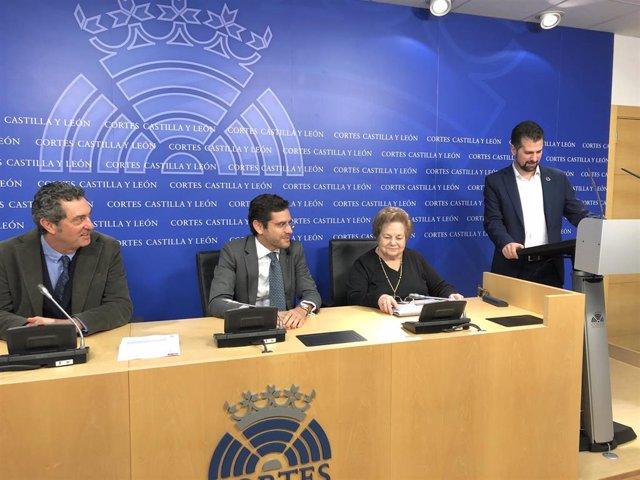 De izquierda a derecha: Manuel Escarda, Eduardo Ranz, Mercedes Abril y Luis Tudanca.