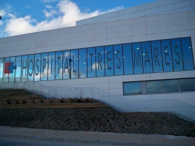 Cantabria.- El personal laboral del Hospital del Tres Mares se concentra por la carrera profesional