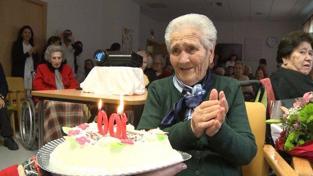 Visitación Arias celebra su 100 cumpleaños