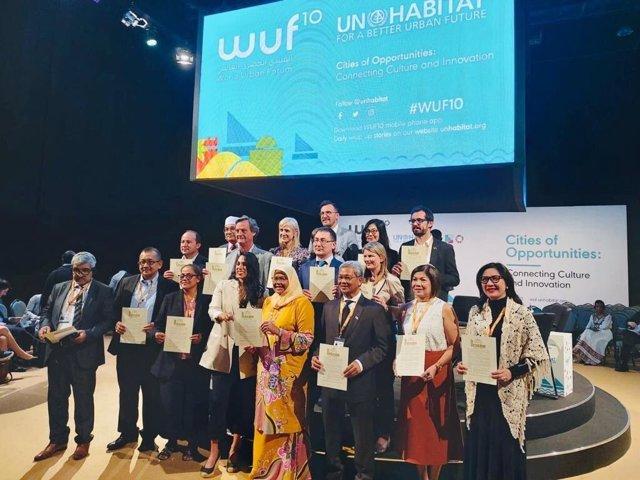 Participants en la 10a edició del World Urban Forum a Abu Dhabi.