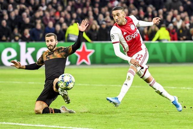 Fútbol.- El Chelsea ficha al extremo marroquí Hakim Ziyech para la próxima tempo