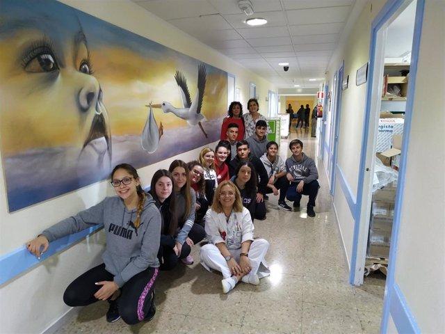 Visita de alumnos de SAFA al Hospital de Linares