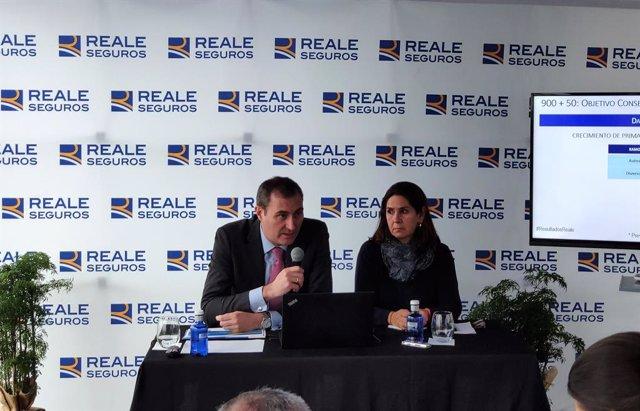 Ignacio Mariscal, CEO de Reale Seguros, acompañado por Pilar Suárez-Inclán, Directora de Comunicación Institucional y RSE.