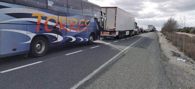 Fedintra denuncia que los autobuses de 200 niños han quedado atrapados en la A-9