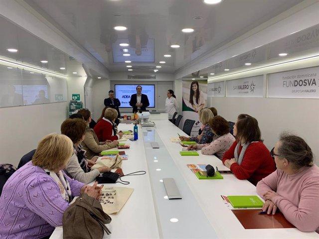 Una de las sesiones de las jornadas celebrada en el Aula Móvil del Grupo San Valero