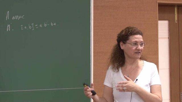 La catedrática de álgebra de la Universidad de Málaga, Mercedes Siles, durante una clase.
