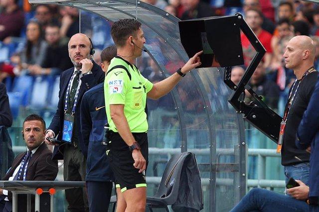 Fútbol.- La Serie A propone que los equipos puedan solicitar el VAR en acciones