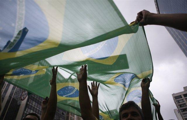 Brasil/Paraguay.- Matan a tiros a un periodista brasileño en su vivienda en Para