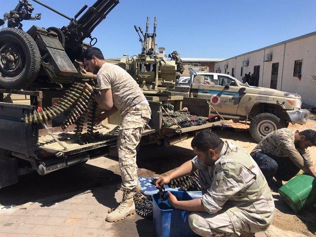 AMP.-Libia.-Mueren dos civiles en ataques contra Trípoli pese al llamamiento del