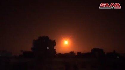Al menos siete muertos, entre ellos cuatro iraníes, en el bombardeo contra Damasco, según el Observatorio