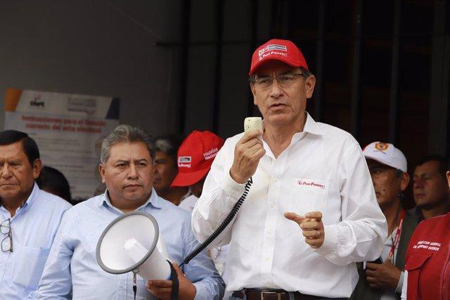 Perú.- El presidente de Perú acepta las dimisiones de tres ministros en mitad de