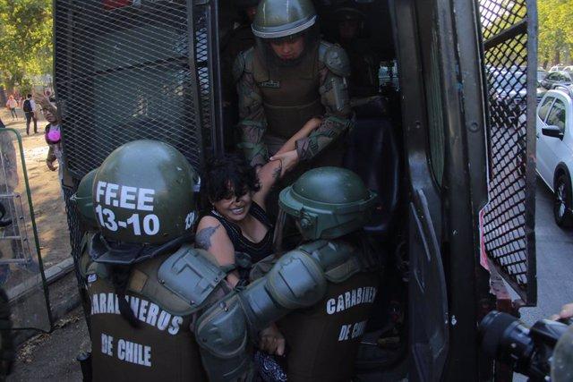 Chile.- Carabineros ha propuesto la baja de 20 agentes desde el estallido de las