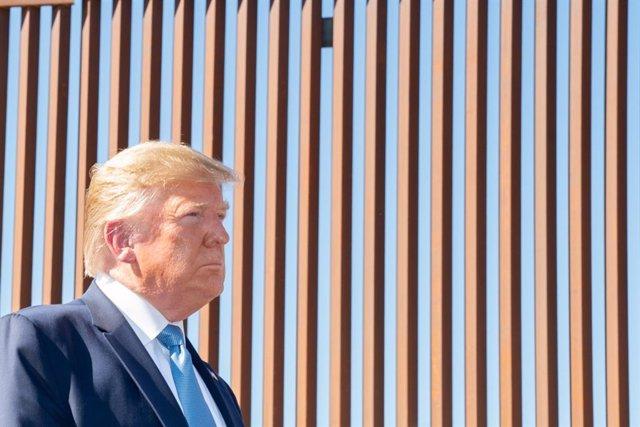 EEUU.- Trump quiere desviar más dinero del Pentágono para la construcción del mu