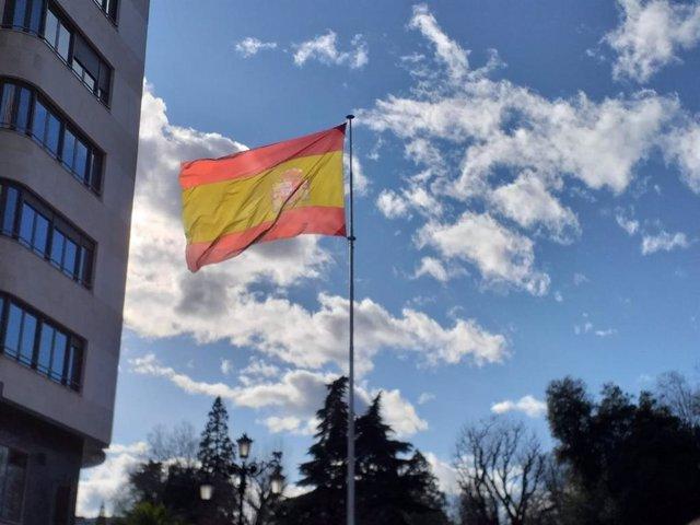 Bandera de España en Oviedo.