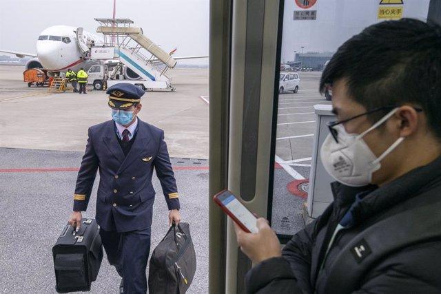 Aerolíneas de todo el mundo están prolongando las cancelaciones de vuelos a China. (Dave Tacon/Contacto)