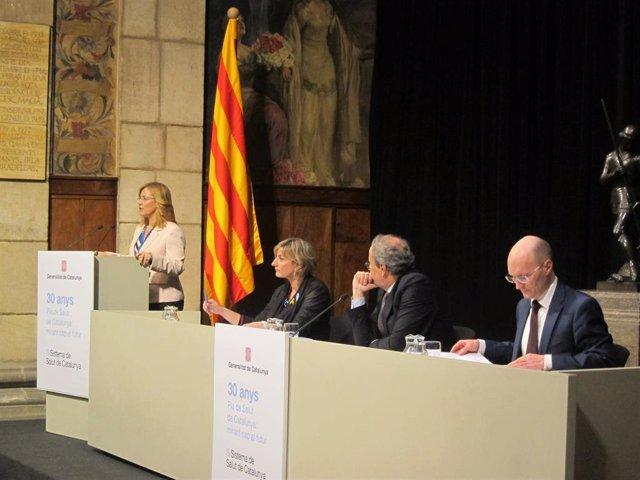 Melitta Jakab (OMS), la consellera Alba Vergés, el presidente Quim Torra y Tamas Evetovits (OMS)