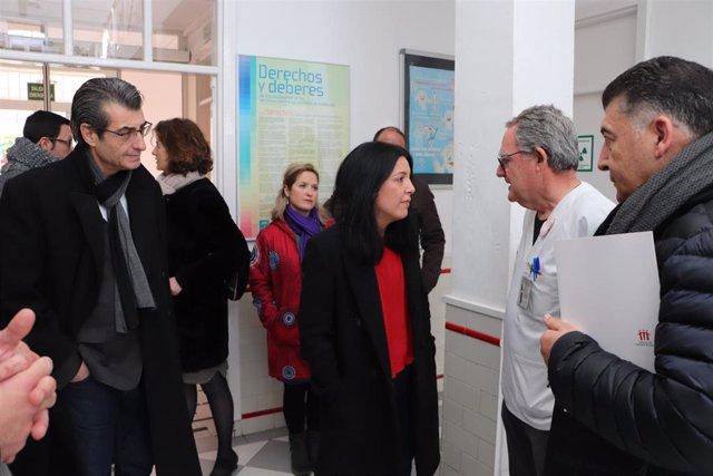Imagen de la visita de Idoia Villanueva al centro de salud del distrito Norte de Granada