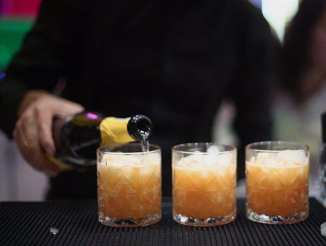 El consumo de bebidas en hostelería aumenta un 28% en San Valentín