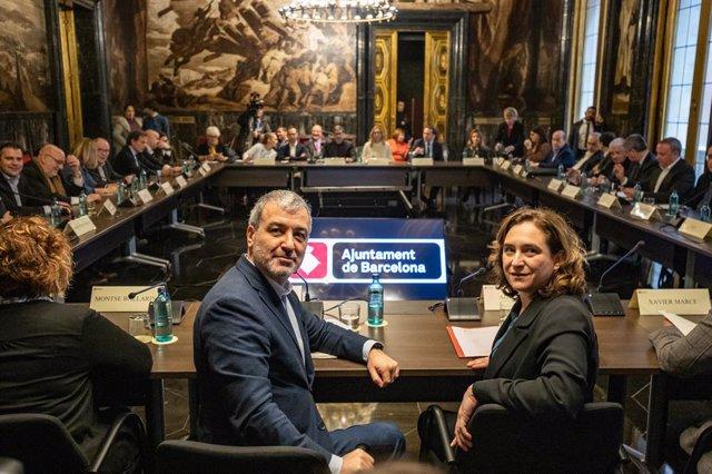 L'alcaldessa de Barcelona, Ada Colau, i el primer tinent d'alcalde de Barcelona, Jaume Collboni, durant la reunió amb agents econmics després que s'hagi cancellat el Mobile World Congress, a Barcelona (Catalunya / Espanya), a 14 de febrer del 2020.