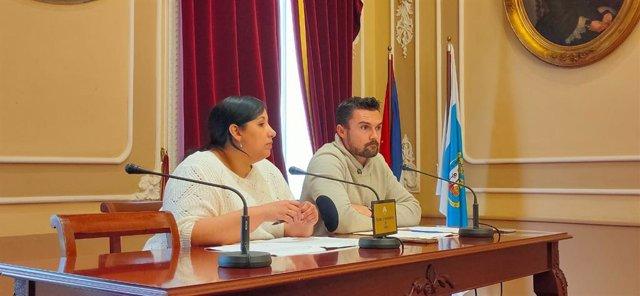 La portavoz de Equipo de Gobierno y concejala de Educación, Ana Fernández, y el concejal de Urbanismo, Martín Vila, en rueda de prensa