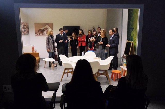 El vicepresidente de la Junta visita una sala Gesell en El Ejido (Almería)