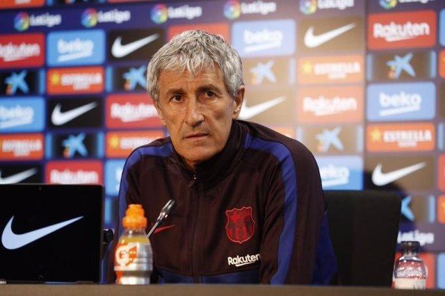 El entrenador del FC Barcelona, Quique Setién, en rueda de prensa