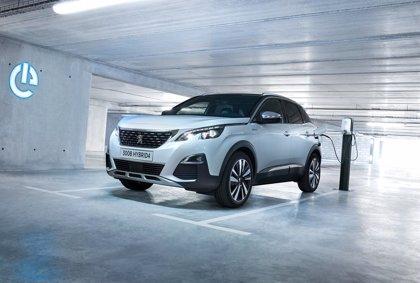 Peugeot ya admite pedidos de sus modelos híbridos enchufables, con más de 50 km de autonomía eléctrica