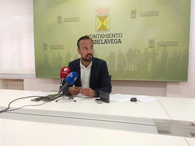 El alcalde de Torrelavega, Javier López Estrada