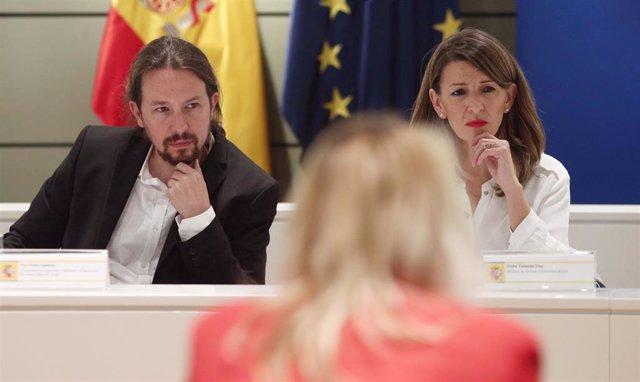 El vicepresidente del Gobierno de Derechos Sociales y Agenda 2030, Pablo Iglesias y la ministra de Trabajo y Economía Social, Yolanda Díaz